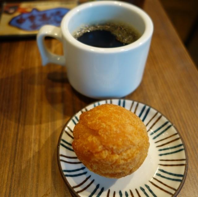 コーヒー・サータアンダギー